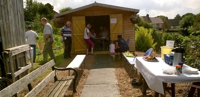 The meeting hut – submitting entry forms